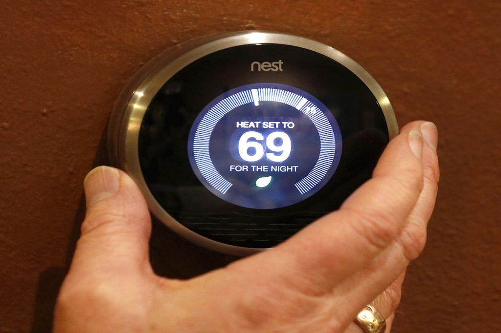 HVAC Thermostat - Springbank Mechanical Toronto Commercial HVAC Company